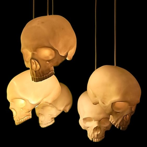 Scare Your Guests with These Spooky Halloween Lamps - Read more at www.ilikethatlamp.com