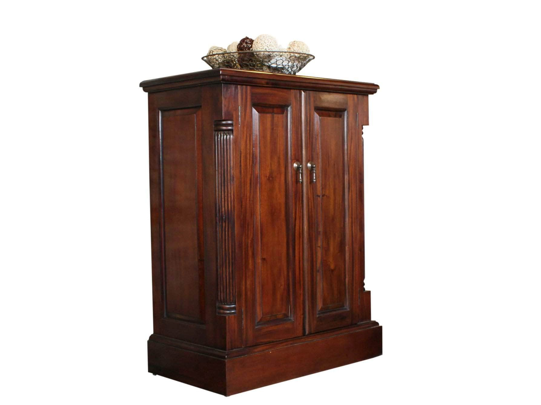 Mahogany hallway shoe cabinet, with space for twelve pairs of shoes