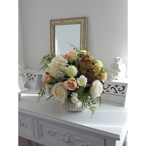 Wonderful silk flower arrangement with Roses, Hydrangea and etc. - F&D - Flowers and Decor - Christmas Gifts - Cadeaux Noel - The best Swiss online department store!