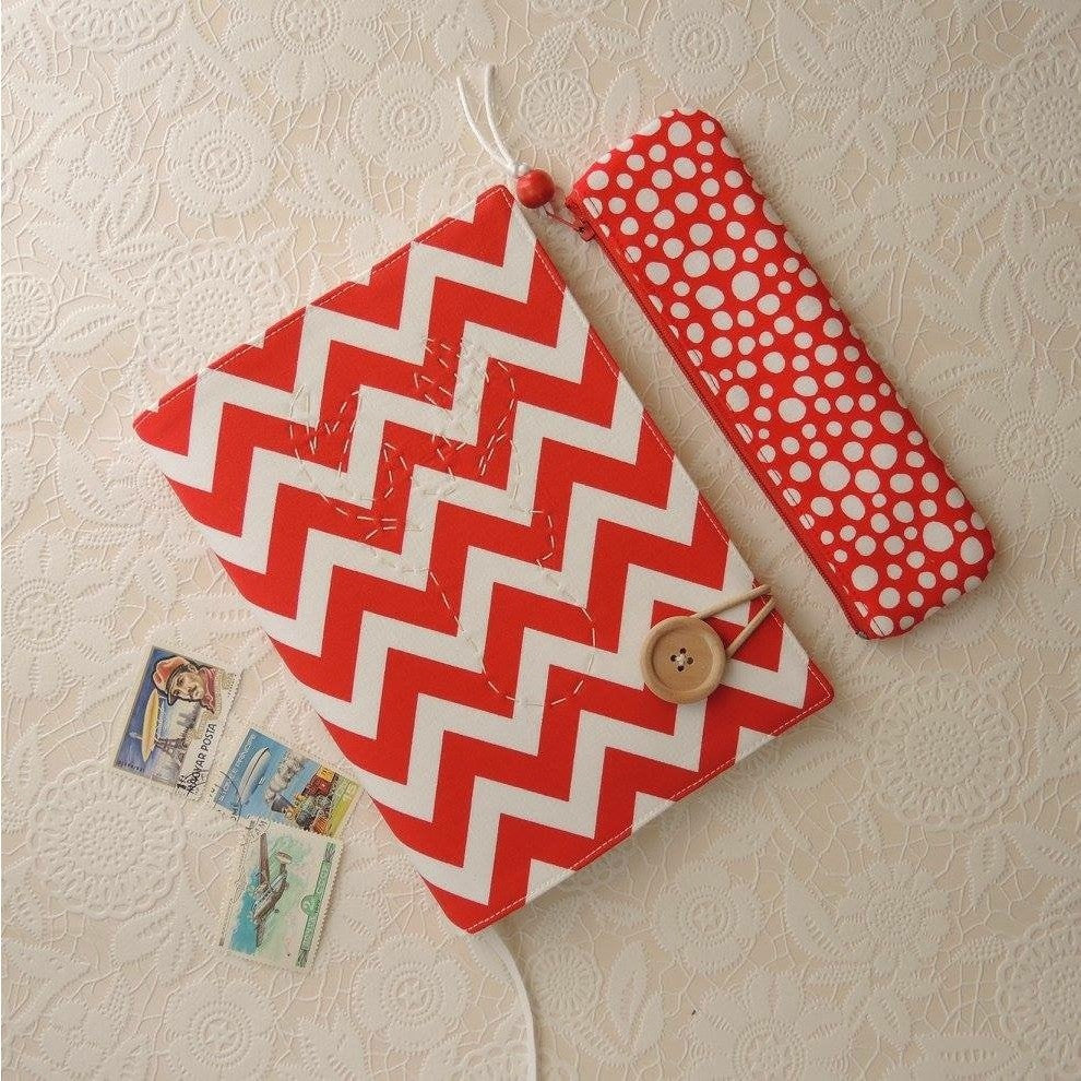 Red & White Notebook - Smitten Kitten - Christmas Gifts - Cadeaux Noel - The best Swiss online department store!