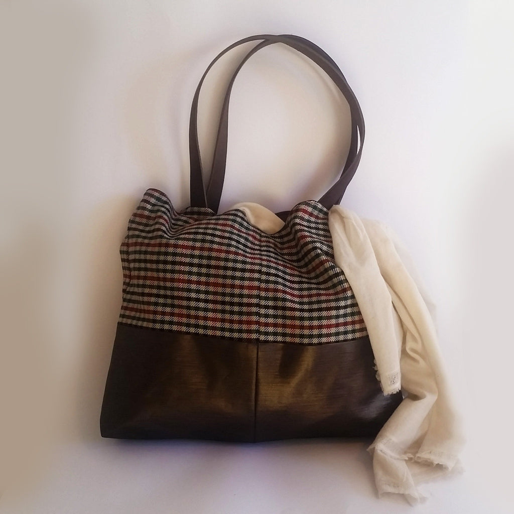 "Tote Bag ""shopuntilyoudrop"" - mirei71 - Christmas Gifts - Cadeaux Noel - The best Swiss online department store!"