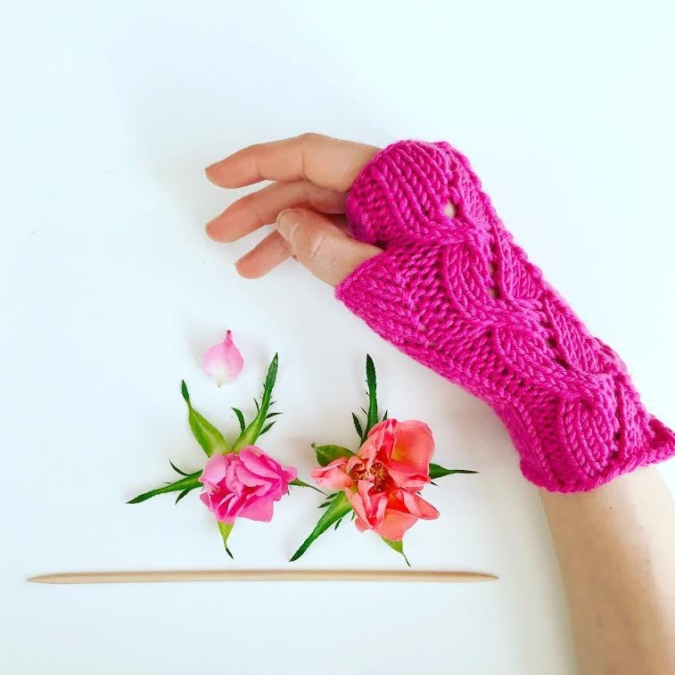 Romantic Ultra Soft Lace Hand Knitted Wrist Warmers - PETIT MORICZ - Christmas Gifts - Cadeaux Noel - The best Swiss online department store!