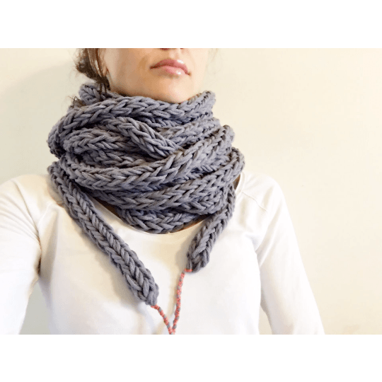 Cool Infinity Scarf for Her or Him - Chiinchiin - Free delivery - Gifts - The best Swiss online department store!