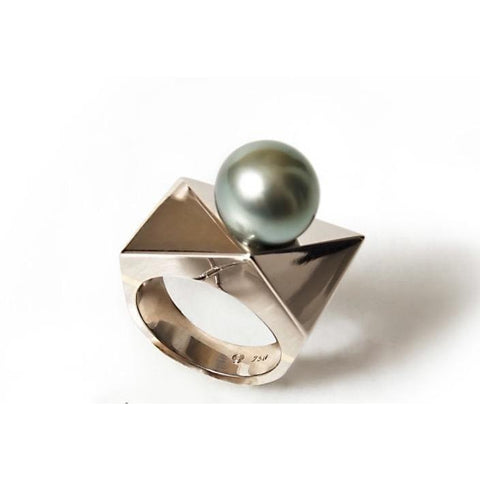 Geometria-bague - Sandro Ganguin fine jewelry - Christmas Gifts - Cadeaux Noel - The best Swiss online department store!