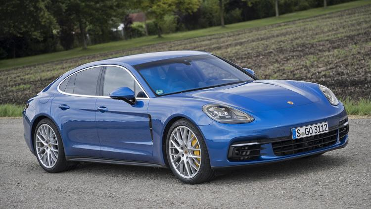 The All New 2017 Porsche Panamera - Deep Dive