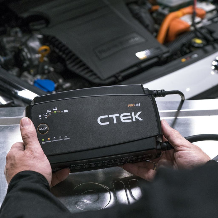 CTEK PRO25S Professional Battery Maintainer/Charger