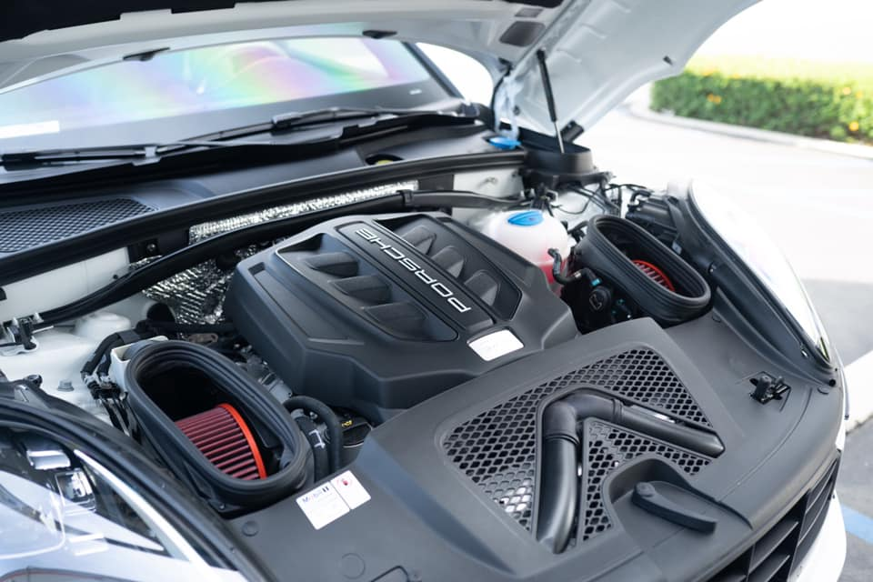 Flat 6 Motorsports High Flow Carbon Fiber Intake Ducts (Macan)