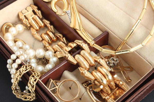 Are you looking to sell any jewellery or gold?