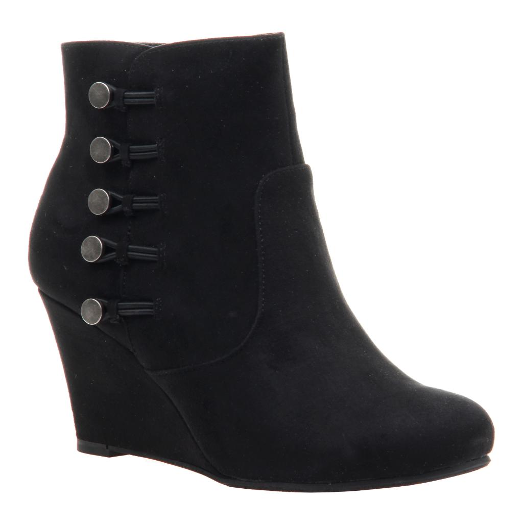 Butterscotch in Black Ankle Boots  4783f4a0f