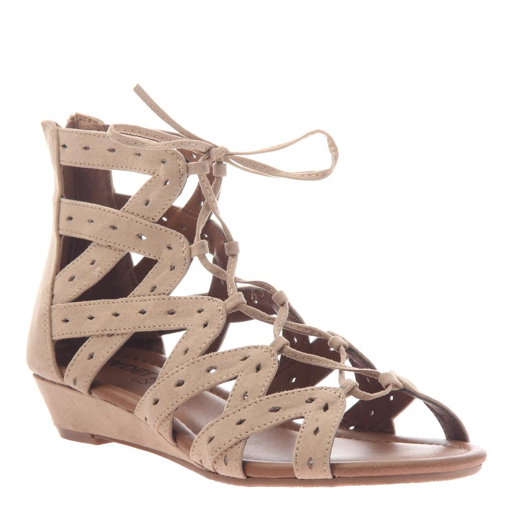 MADELINE GIRL Finesse Ghillie Tie Gladiator Sandals VUxIsidcYw
