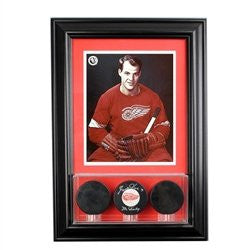 Wall Mounted Triple Puck Display Case with 8 x 10