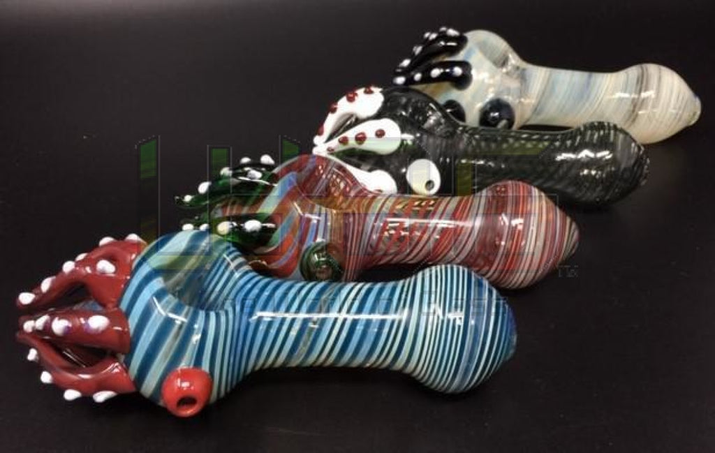5.5 Octopus Tentacle Swirl Hand Pipe
