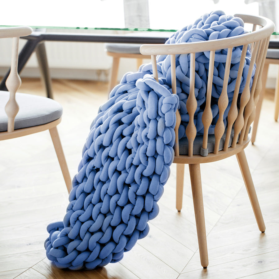 Medium Ohhio Braid Blanket