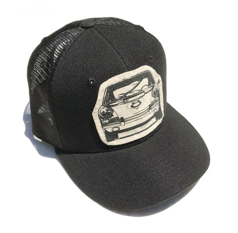 911Front trucker cap-black/white