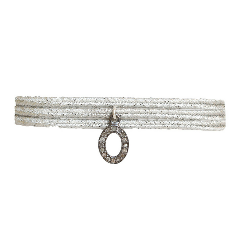 Metallic Ribbon Diamond Choker in Hollow Oval