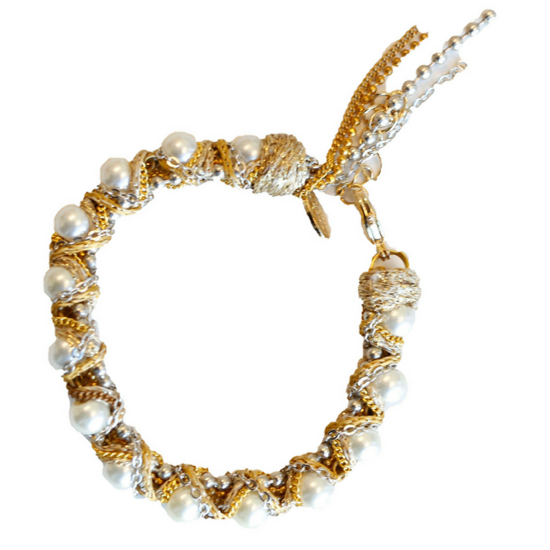 Pearl and Chains Bracelet with Clasp