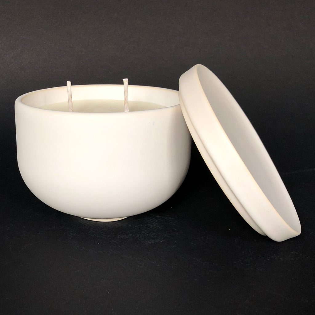 [color] e.baran - Limited Edition Handmade Pottery Candle - Bowl - White Patchouli [variant]