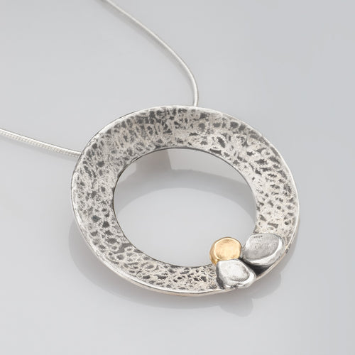 Scribble Discs with Tri Petals Necklace