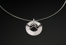 Load image into Gallery viewer, The Double Wave Single Disc Necklace