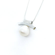 Load image into Gallery viewer, Pearl Double Slider Necklaces