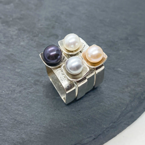 Square on Square Stacking Ring