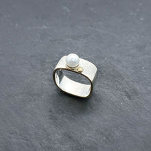 Load image into Gallery viewer, Wide Pearl Stacking Ring