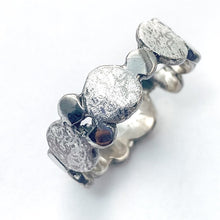 Load image into Gallery viewer, Silver Pebble Scribbled Ring