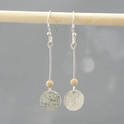 Small Scribble Disc Short Earrings