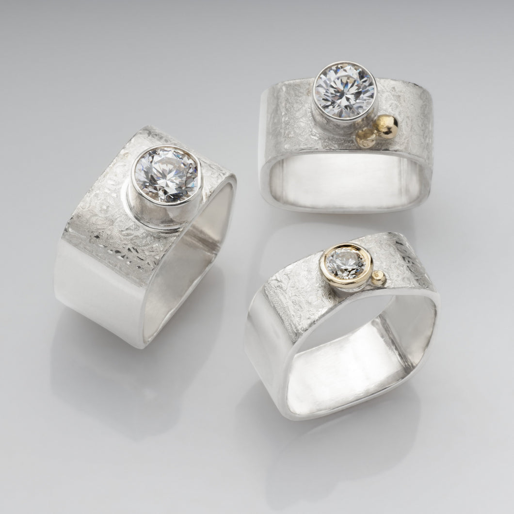 Stacking 3 solitaire rings