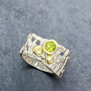 Woven Basket Gold Cluster Ring with Peridot