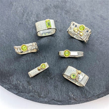 Load image into Gallery viewer, Woven Basket Gold Cluster Ring with Peridot