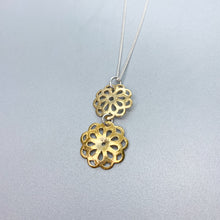 Load image into Gallery viewer, Vermeil Flower Necklace