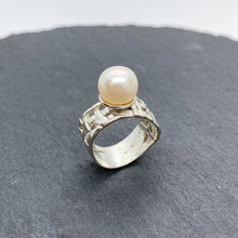 Load image into Gallery viewer, Woven Basket Large Pearl Ring
