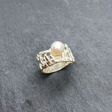 Load image into Gallery viewer, Woven Basket Pearl Ring