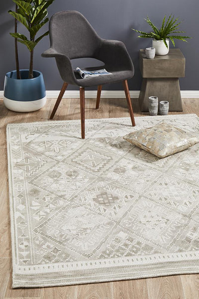 Castle Ariana Diamond Natural Silver Rug