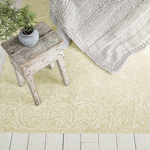 Ceiling rugs 28609 in parchment by William Morris