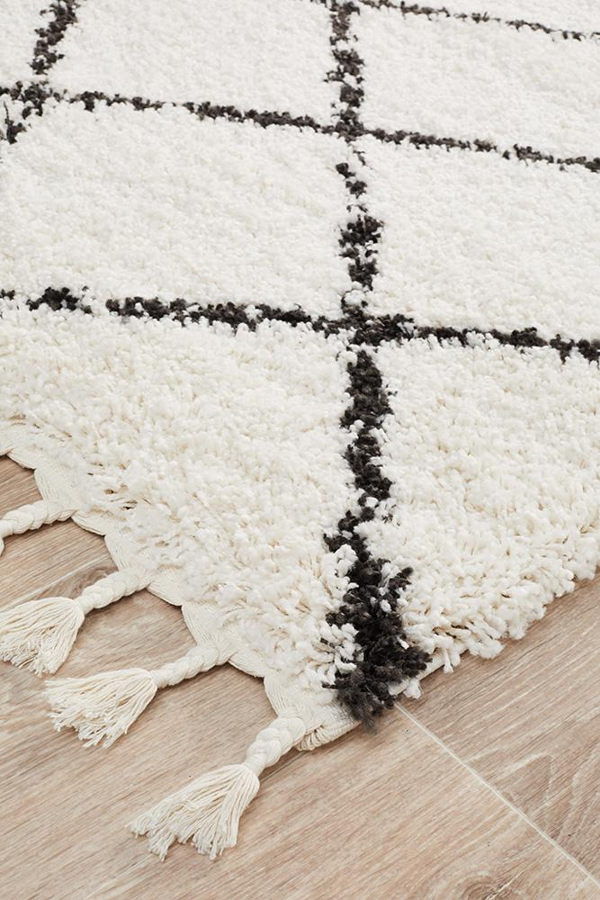 Bella Black & Cream Fringed Runner Rug