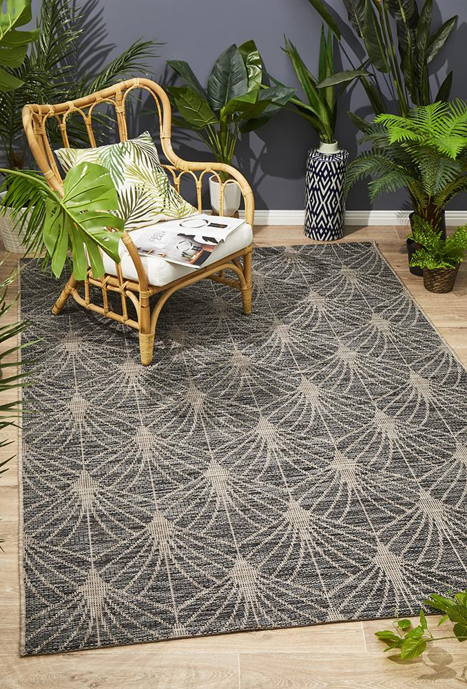 Terrace Fern Trellis Rug Black