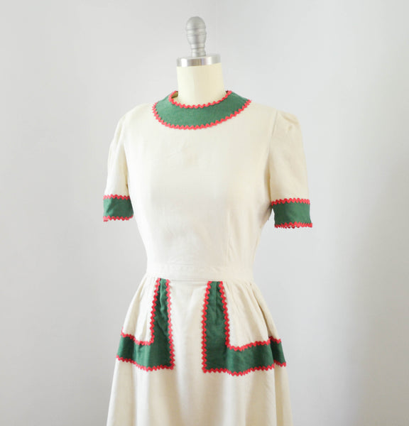 vintage 1940's linen color block dress ivory green red short sleeve 40s forties mid gingerbread 1930s 30s thirties concettas closet fashion style 4