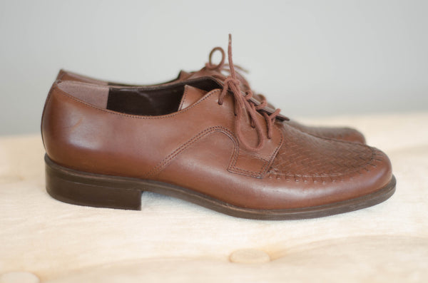 1980s brown leather brogues oxford shoes women flats preppy fashion size 7 concettas closet portsmouth nh new hampshire 1