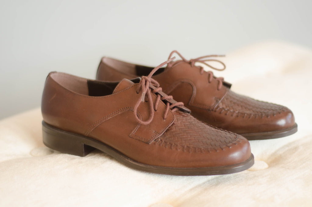 1980s brown leather brogues oxford shoes women flats preppy fashion size 7 concettas closet portsmouth nh new hampshire