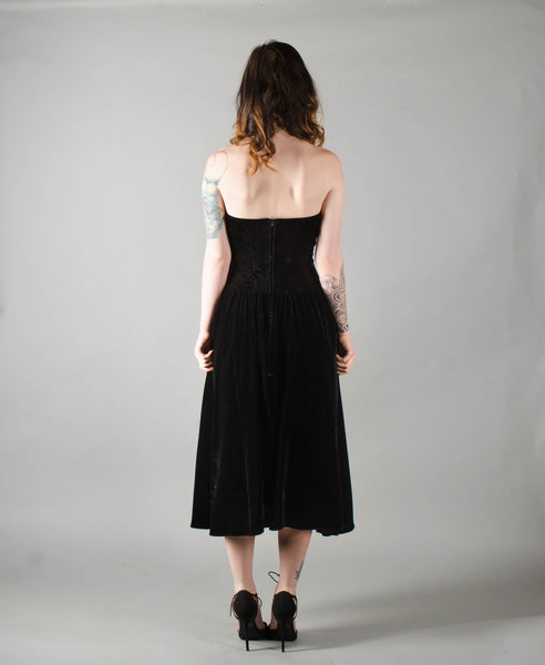 vintage 1950s style strapless black velvet party dress extra small xs fit flare cocktail prom full skirt 80s 1980s eighties 1950s 50s fifties concettas closet 2