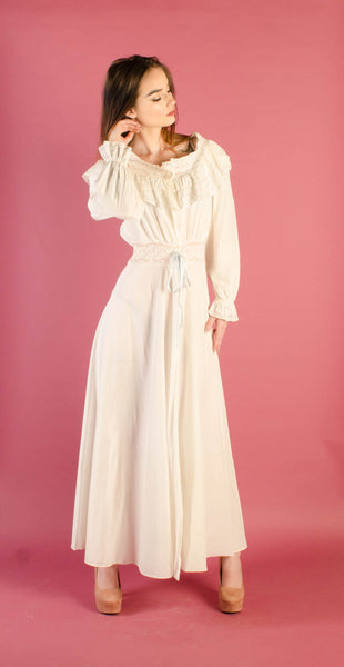 vintage 1940s rayon white ivory dressing gown nightgown robe lingerie small 26 27 waist long sleeve lace wedding bridal classic style 40s forties concettas closet 2