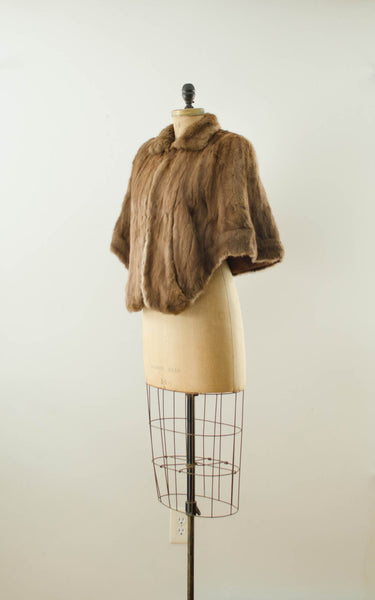 vintage 1940s brown rabbit fur stole cape caplet winter fall fashion bride wedding bridal outdoor 40s forties classic timeless fashion style concettas closet small medium 1