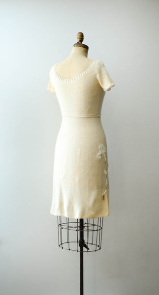 vintage 1950's ivory chenille wool knit sweater dress short sleeve white 50s fifties mid century rockabilly fall fashion style concettas closet 5
