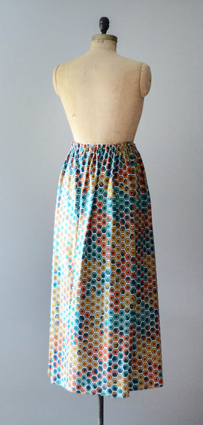 vintage 1970s geometric print maxi skirt long polygon green teal orange yellow medium small 70s seventies mod bohemian hippie fashion style concettas closet 4