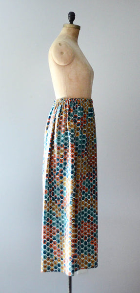 vintage 1970s geometric print maxi skirt long polygon green teal orange yellow medium small 70s seventies mod bohemian hippie fashion style concettas closet 3