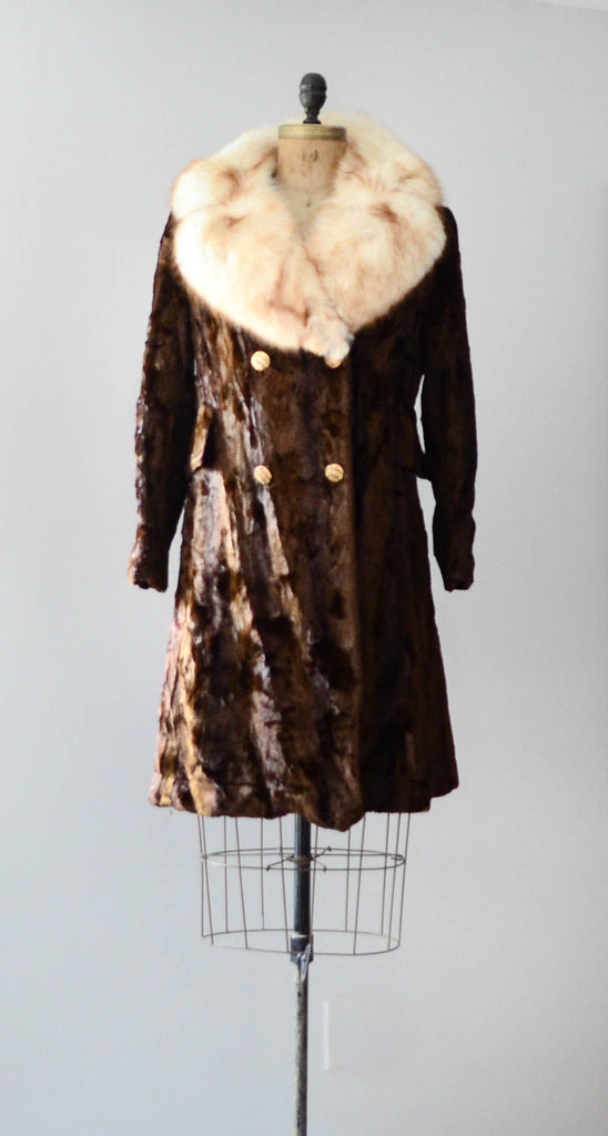 vintage 1970's crushed velvet coat fox fur collar 70's seventies disco hippie brown white medium small concettas closet fashion style