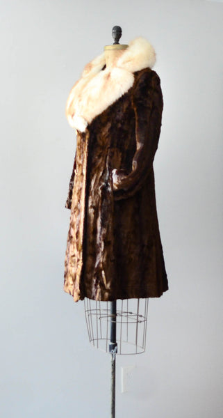 vintage 1970's crushed velvet coat fox fur collar 70's seventies disco hippie brown white medium small concettas closet fashion style 3
