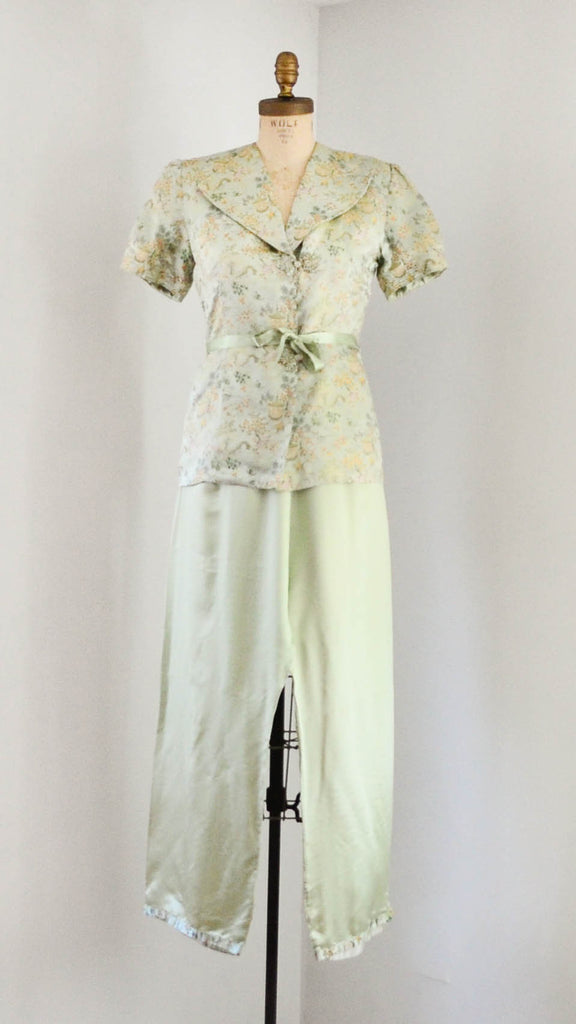 vintage 1940's silk chinoiserie melon green beach pajamas set asian japanese chinese flapper pants jacket small medium jazz age roaring 20s 30s thirties 1930s 40s forties art deco concettas closet fashion style
